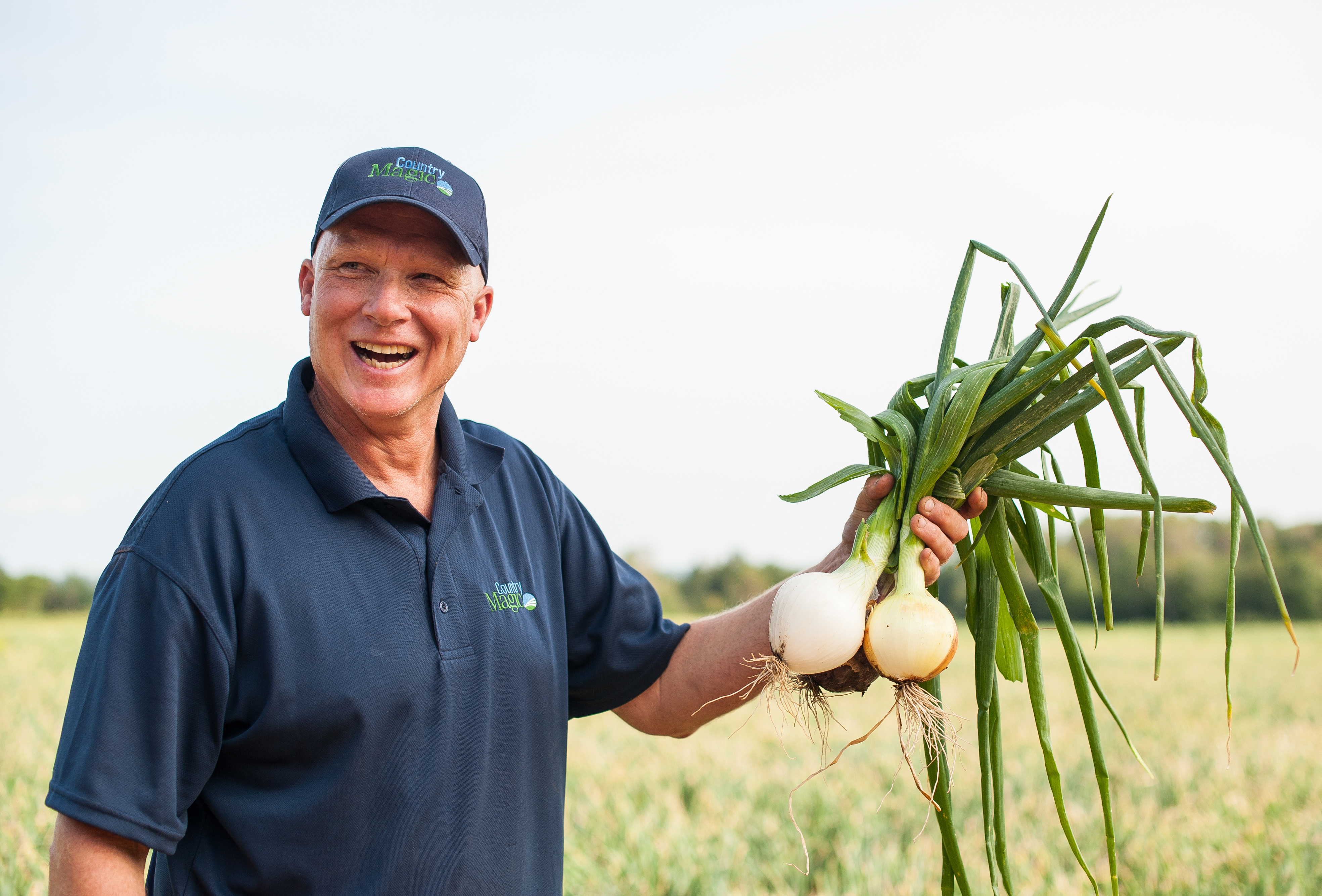 Scott Newcombe, onions, freshly picked, Country Magic, Production Team